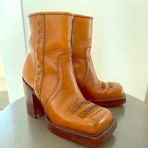 JOHN FLUEVOG Vintage leather square toe boots